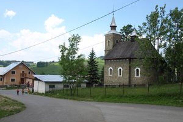 Okolie školy a rímskokatolíckeho kostola sa už čoskoro začne meniť.