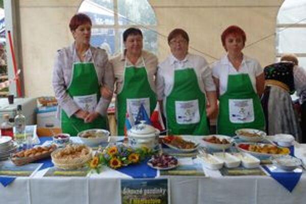 Štvorica kuchárok z námestovskej školskej jedálne.