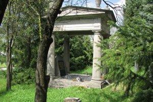 Židovský cintorín v Prievidzi, Hrobka rodiny Heumannovcov