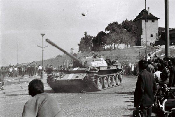 Tanky pod Zvolenským zámkom.