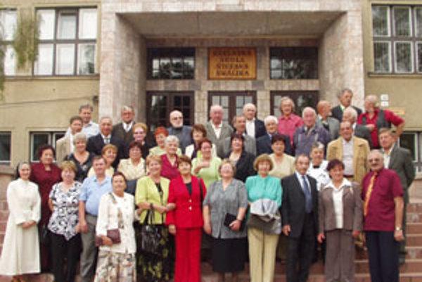 Absolventi OSŠ z roku 1957 v Tvrdošíne po 50 rokoch.