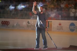 Michal Handzuš sa oficiálne lúčil s hokejom.