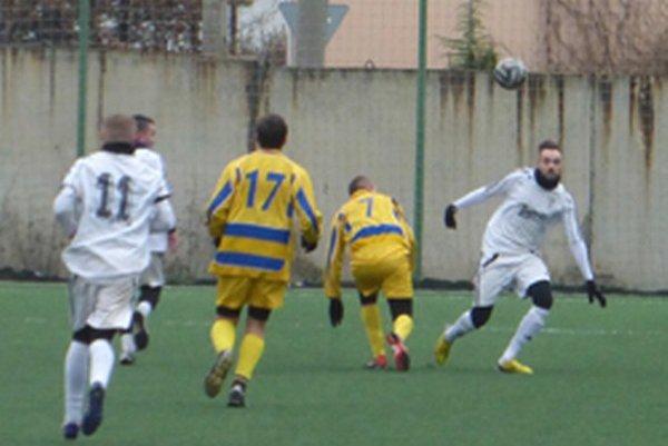 Zápas sa hral na umelej tráve v Trenčíne. Nemšová zvíťazila o gól.