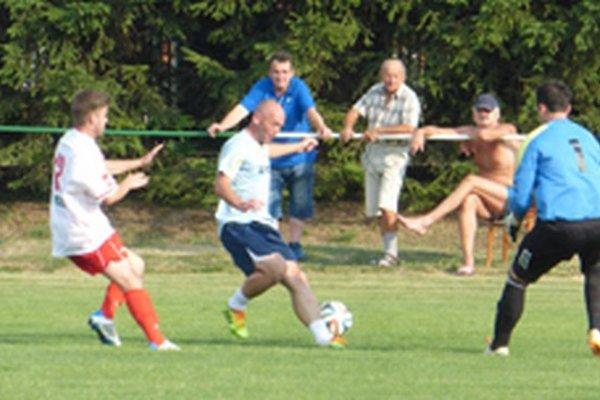 Diváci v Jacovciach videli sedem gólov.