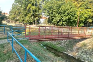 Obmedzenia pre chodcov budú v okolí Podlužianky trvať asi mesiac.