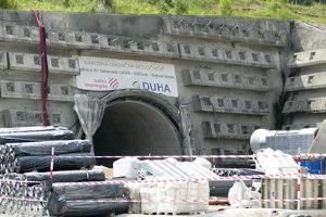 Tunel Višňové na úseku D1 Lietavská Lúčka - Višňové - Dubná skala.