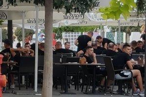 Fanúšikovia zahraničného klubu pred incidentom.