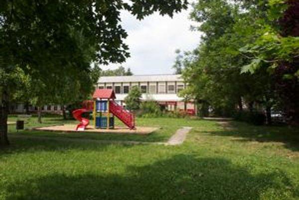 Z piatich tried bývalej škôlky vzniknú bunky pre 51 dôchodcov.