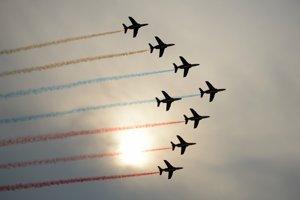 Skupina Patrouille de France z Francúzska na lietadlách typu Dassault/Dornier Alpha Jet