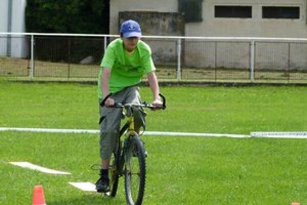 Cyklistom chýba cyklotrasa smerom na Nitru.