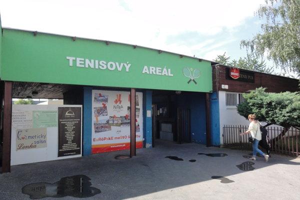 Celkové investície do Tenisového areálu na Chrenovej dosiahnu skoro pol milióna eur.