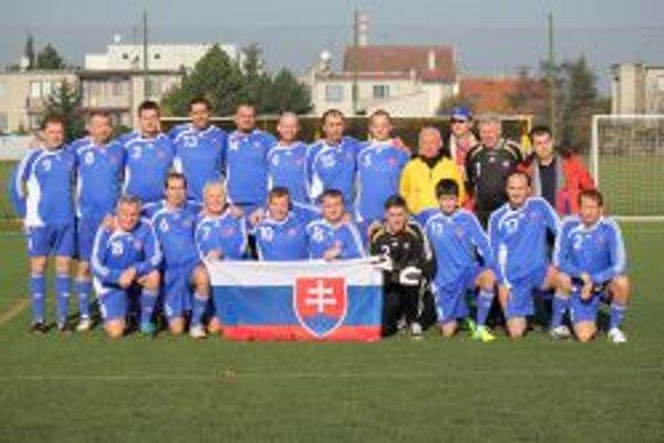 Výber, ktorý reprezentoval fanklub Slovenska.