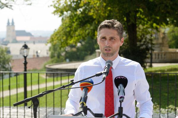 Mestský a krajský poslanec Peter Oremus bude kandidovať na primátora Nitry.