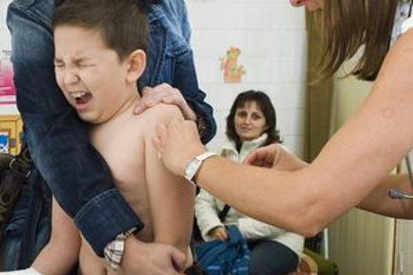 Momentálne podľa lekárnikov chýba vakcína Infanrix hexa, ktorou sa očkujú novorodenci.
