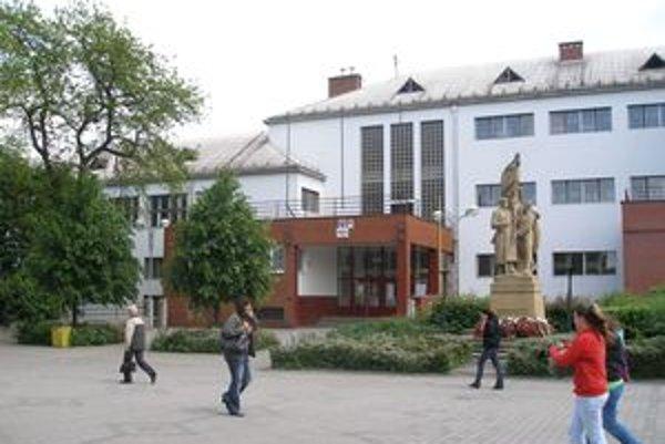 Na topoľčianske gymnázium sa do prímy hlásilo menej žiakov ako mohli prijať.
