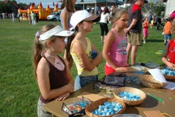 Deti si mohli zahrať zahrať aj hry na stanovištiach. Odmenené boli sladkosťami a diplomami.