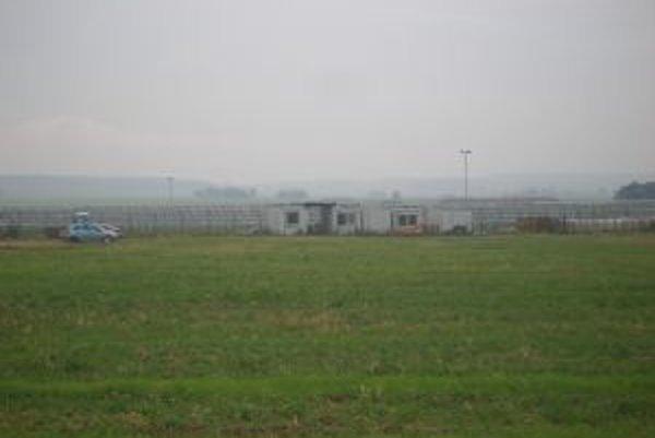 Elektráreň sa staviana poliach neďaleko Veľkých Dvorian.