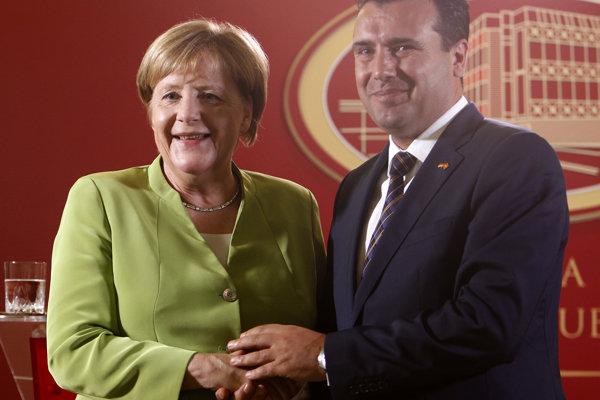 Merkelová s macedónskym premiérom Zaevom.