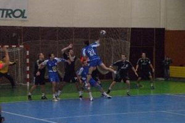 Hádzanári prehrali o jeden gól.