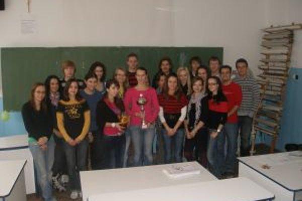 Študenti Gymnázia sv. Vincenta de Paul získali Pohár primátora Topoľčian prvý raz