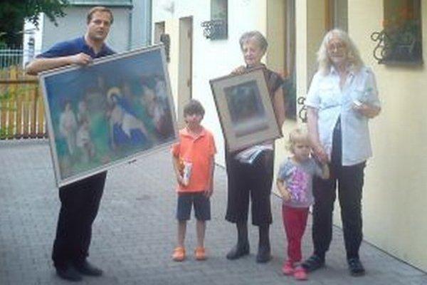 S obrazmi a s akad. maliarkou profesorkou Eugéniou Lehotskou, dcérou Eugena Lehotského.