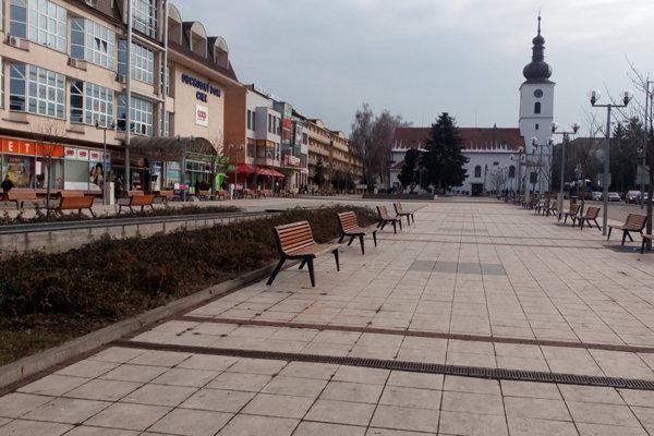 Mesto Senica.