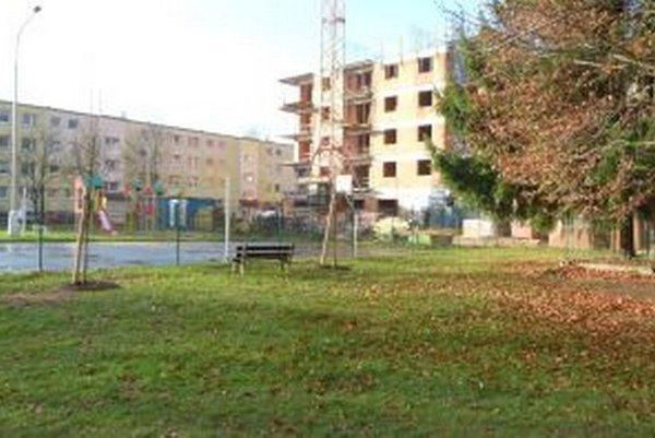 Novostavab na Ľadovni mala mať päť poschodí, no nakoniec pribudli ešte dve.