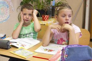 Demografický vývoj je podľa primátora dlhodobo negatívny, čo sa odráža na počte žiakov.