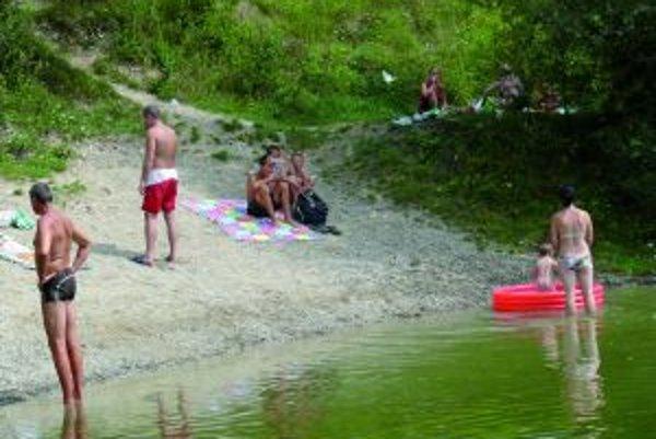 Jazierka pri Lipovci ľudia stále radi vyhľadávajú.