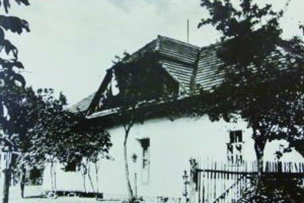 Dom u horných Samčíkovcov. Práve v ňom v roku 1944 zaviala československá zástava.