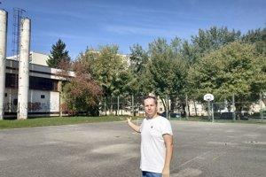 Zanedbané multifunkčné ihrisko v Košútoch I