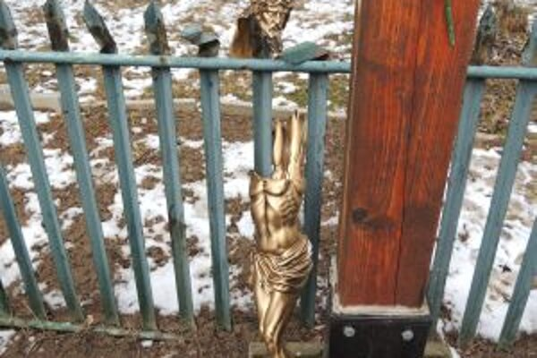 Torzo Ukrižovaného, ktoré zničil vandal.