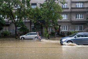 Lokálnych povodní a záplav v posledných rokoch pribúda.