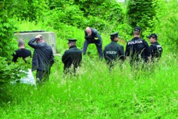Miesto, kde našli mŕtvu Renátu ohradila polícia.
