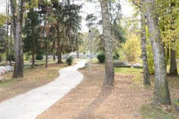 Zrekonštruovaný cintorín čoskoro poslúži aj ako meditačný priestor.