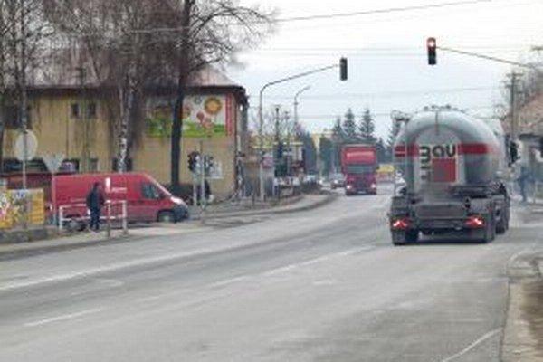 S výstavbou diaľnice sa semafor v Sučanoch stane zbytočný.