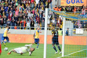Erik Pačinda sa raduje zo svojho gólu.