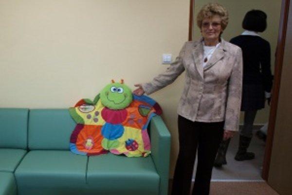 Zatiaľ bez pacientov. Na deti čaká okrem rehabilitácie v modernom prostredí, aj úplne nové vybavenie izieb a hračky. Na snímke primárka Eva Babčanová.