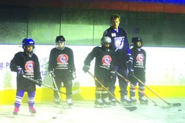 Tréning s Pánikom bol pre mladých hokejistov veľkým zážitkom.