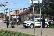 Polícia na ulici v Kolárove.