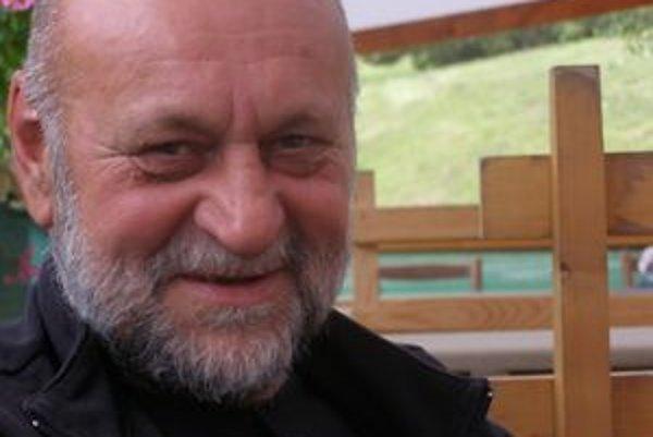 Ján Varinský. Uspel v literárnej súťaži Poviedka 2010.