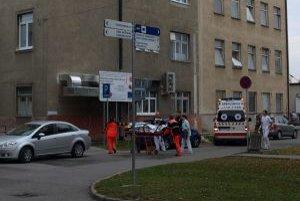 Univerzitná nemocnica v Martine mala zachraňovať okolité nemocnice v Žilinskom kraji. Zatiaľ však funguje v nezmenenom režime.