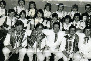 Zakladajúci členovia Folklórneho súboru Podhradčan.