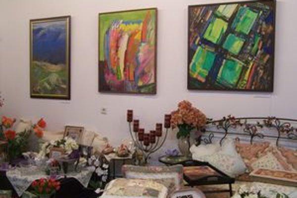 Výstava maliarov Jozefa Ferenčíka a Miroslava Bárdiho bude v Gallery JJ inštalovaná do Vianoc.