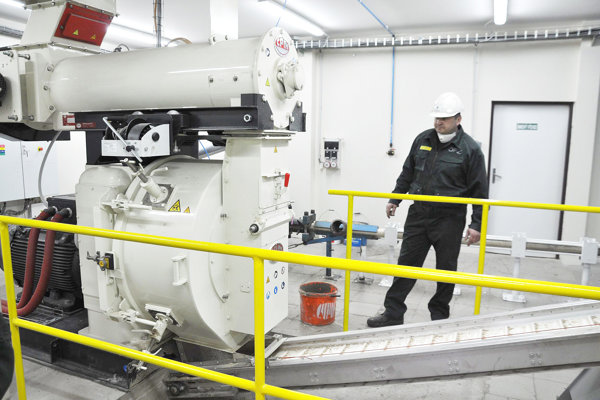 Stroj na výrobu peletiek tvorí len malú časť investície za 1,2 milióna eur.