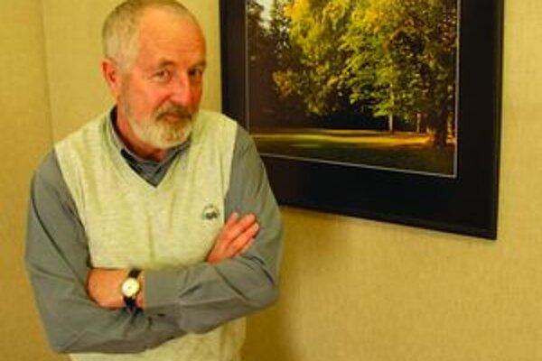 Gustáv Hegedűš, autor výstavy fotografií kúpeľného parku v Galérii Mikuláša Galandu.