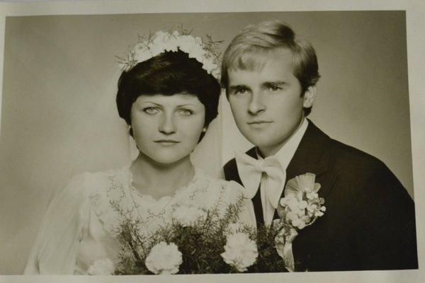 Svadobná fotografia manželov Ranglovcov.