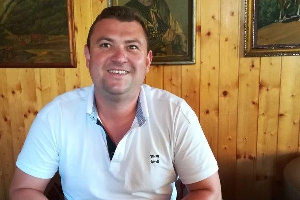 Peter Špirko rok prepisoval zápisky starého otca.