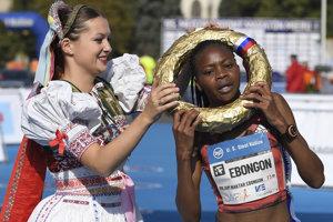 Na snímke víťazka v kategórii žien, Keňanka Milliam Naktar Ebongonová.
