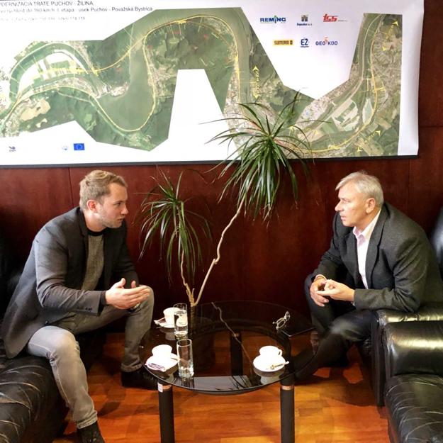 Martin Kapitulík s oblastným riaditeľom ŽSR Ing. Andrejom Marcinkom ohľadom rekonštrukcie železničnej stanice.
